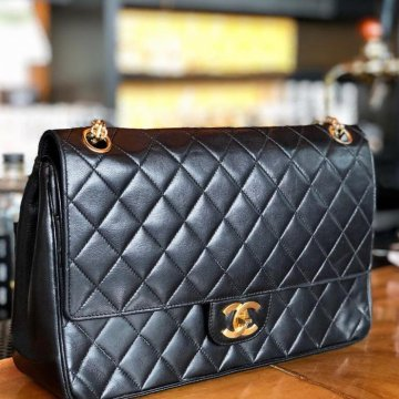 Chanel Vintage Classic Quilted Shoulder Bag with GHW